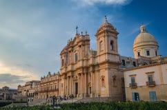 Centro histórico de Noto, Sicilia - catedral de Noto - basílica de menor importancia de San Nicolás de Myra imagen de archivo libre de regalías