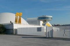 Centro Niemeyer em Avilés, vista do porto foto de stock royalty free