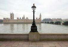 Vista del palazzo di Westminster dal Tamigi Fotografie Stock Libere da Diritti