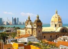 Centro storico di Cartagine, Colombia con il mar dei Caraibi immagine stock libera da diritti