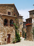 Centro storico di Montemerano (Toscana) fotografia stock libera da diritti