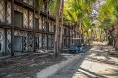 Centro turístico abandonado en la isla de Contadora foto de archivo