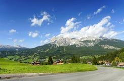 Centro turístico alpino en Cortina d'Ampezzo Imagen de archivo libre de regalías