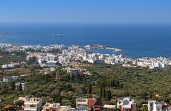 Centro turístico de Akrotiri en la isla de Crete, Grecia imagen de archivo libre de regalías