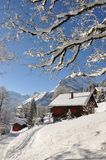 Centro turístico de esquí suizo famoso Braunwald imagenes de archivo