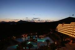 Centro turístico de la noche, isla Lazarote de las Canarias Foto de archivo