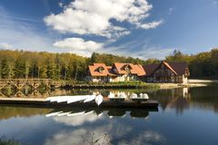 Centro turístico de la orilla del lago fotos de archivo