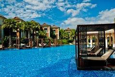 Centro turístico de la piscina del viaje Fotos de archivo libres de regalías