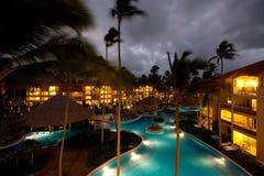 Centro turístico de lujo en la noche Fotos de archivo