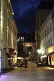Centro turístico de Wiesbaden en la noche Fotos de archivo libres de regalías