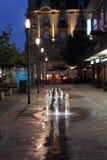 Centro turístico de Wiesbaden en la noche Imagen de archivo