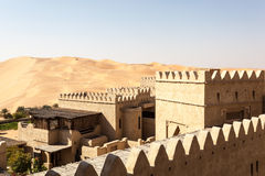 Centro turístico del desierto en el emirato de Abu Dhabi Fotografía de archivo libre de regalías