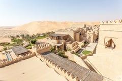Centro turístico del desierto en el emirato de Abu Dhabi Imagen de archivo libre de regalías