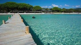 Centro turístico del hotel de la playa de Santa Giulia en Córcega, Francia, Europa metrajes
