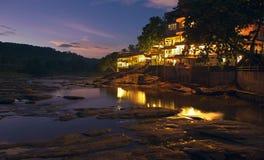 Centro turístico en la isla de Sri Lanka en la noche Imagen de archivo