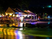 Centro turístico en la noche Foto de archivo