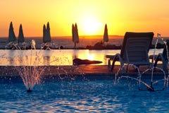 Centro turístico, puesta del sol tropical Fotografía de archivo libre de regalías