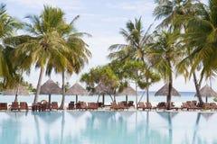 centro turístico de día de fiesta en una playa tropical Imágenes de archivo libres de regalías