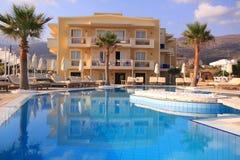 Centro turístico de lujo de la piscina Fotografía de archivo libre de regalías
