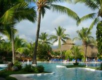 Centro turístico en Costa Rica con la piscina Imágenes de archivo libres de regalías