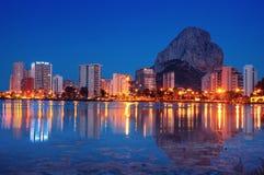 Centro turístico mediterráneo Calpe en España Imágenes de archivo libres de regalías
