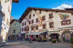 Centro urbano storico di Kitzbuhel, Tirolo, Austria Immagine Stock Libera da Diritti