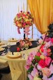 Centros de flores para las recepciones nupciales Imágenes de archivo libres de regalías