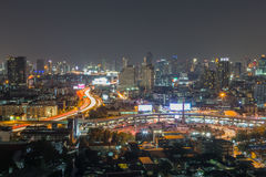 Centrum av Bangkok på natten royaltyfri foto