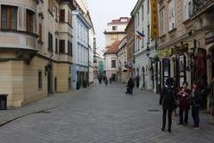 Centrum av Bratislava den gamla staden, huvudstad av Slovakien royaltyfri fotografi