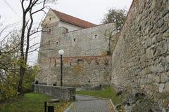 Centrum av Bratislava den gamla staden, Bratislava slott royaltyfri fotografi