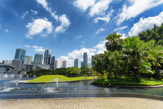 Centrum av Kuala Lumpur i KLCC-område Arkivbilder