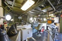 Centrum dowodzenia wnętrze na marynarka wojenna okręcie wojennym Wojsko wojskowego wyposażenie obraz royalty free