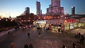 Centrum för Warszawatunnelbanastation lager videofilmer