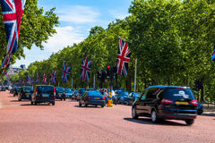 Centrum handlowe, ulica przed buckingham palace w Londyn Fotografia Stock