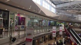 Centrum handlowe z atrium wśrodku wnętrza zdjęcie wideo
