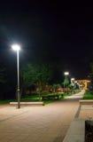 Centrum i Pruszcz Gdanski på natten Arkivbild
