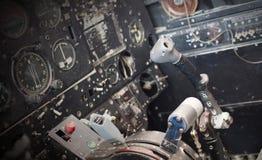 Centrum konsola i przepustnicy w samolocie Zdjęcia Royalty Free