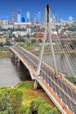 Centrum miasta panoramiczny widok Warszawa, Polska z Swietokrzyski mostem nad Vistula rzeką Fotografia Stock