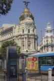 Centrum van Madrid Alcalastraat met Gran via stock foto's
