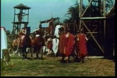 Centurions a cavalo que incorporam o acampamento video estoque