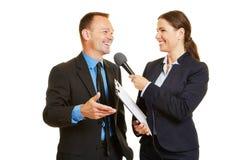 CEO da empresa de negócio que dá a entrevista aos meios Imagem de Stock