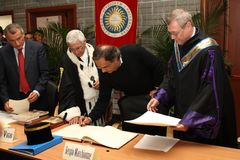 The CEO Fca Sergio Marchionne. Cassino - Italy - 24th november 2016 - The CEO Fca Sergio Marchionne in Unicas University for his laurea honorem causa stock images