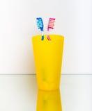 Cepillado de diente Fotos de archivo libres de regalías