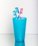 Cepillado de diente Foto de archivo libre de regalías
