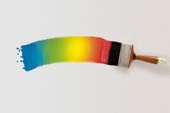 Cepillo con la pintura multicolora Visión superior Fotografía de archivo