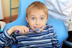 Cepillo de dientes Fotos de archivo