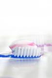 Cepillo de dientes con goma de diente Foto de archivo
