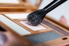 Cepillo de la sombra de ojos Fotografía de archivo