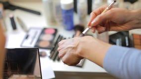 Cepillo del maquillaje, primer almacen de metraje de vídeo