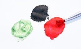 Cepillo y colores de pintura Fotografía de archivo